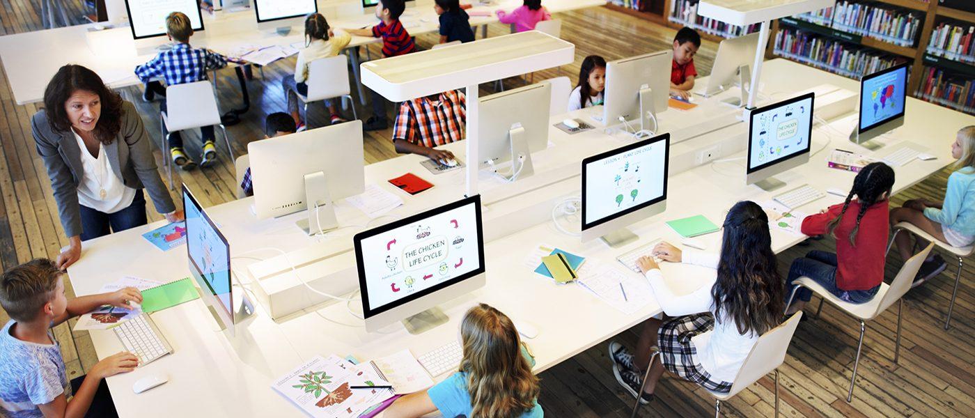 MDR Teach Teacher Classroom